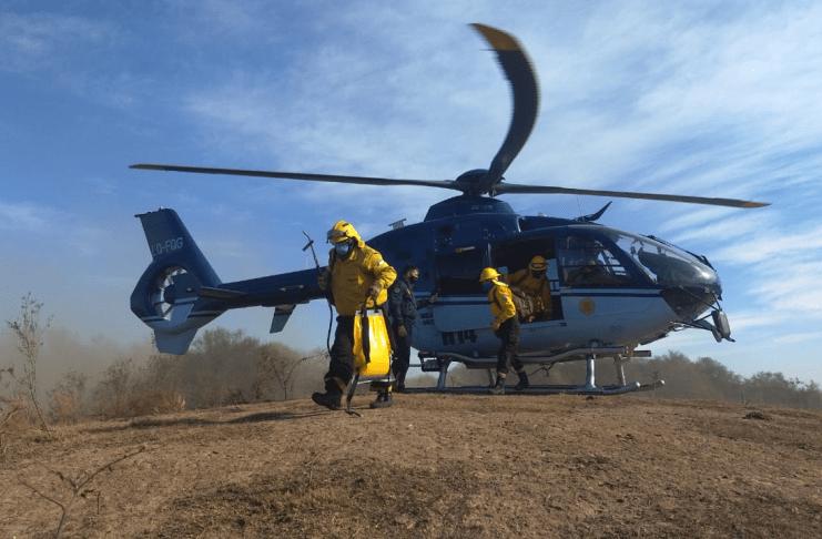 SM-operativo-incendios-islas-quemas-helicoptero-28072020